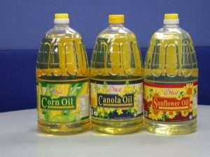 3182Vegetable Cooking Oil large 300x225 - درمان بیماری های مغز توسط خوردن غذاهای سالم