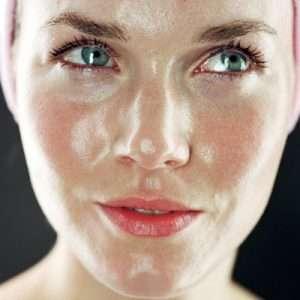 پوست چرب صورت