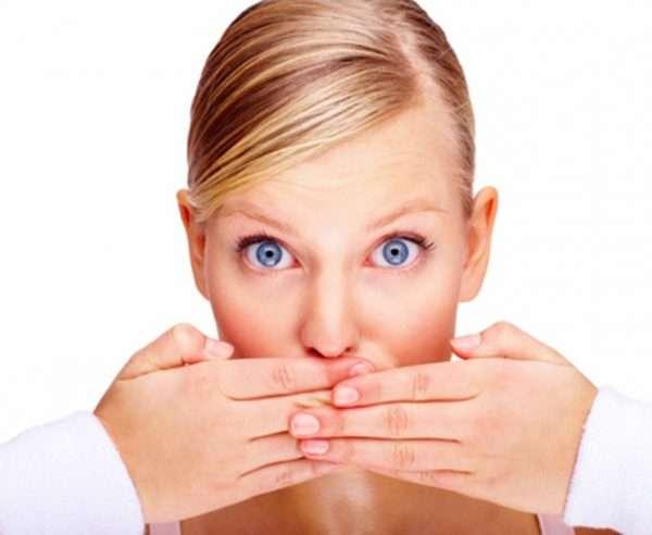تصویر در غذاهایی که از بوی بد دهان جلوگیری می کنند.