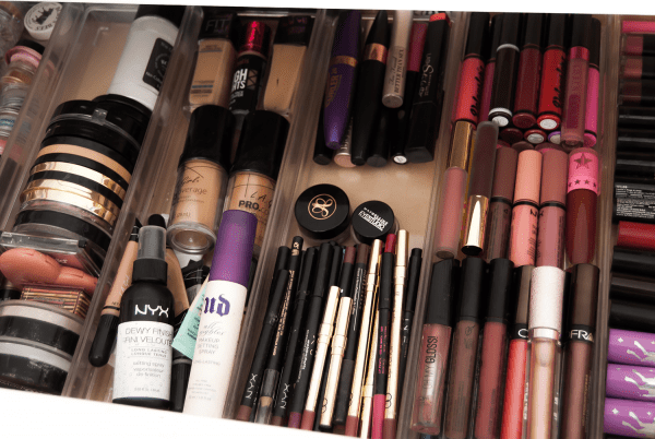 make up alot - اعتیاد به آرایش؛ عجیب اما واقعی