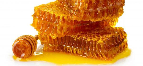 تصویر در یک قاشق عسل قبل از خواب