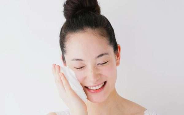 تصویر در درمان خشکی پوست با ۸ ماده ی شگفت انگیز