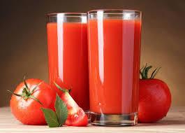 اب گوجه فرنگی - ۱۰ آبمیوه طبیعی که به تقویت سیستم ایمنی بدن کمک میکنند!