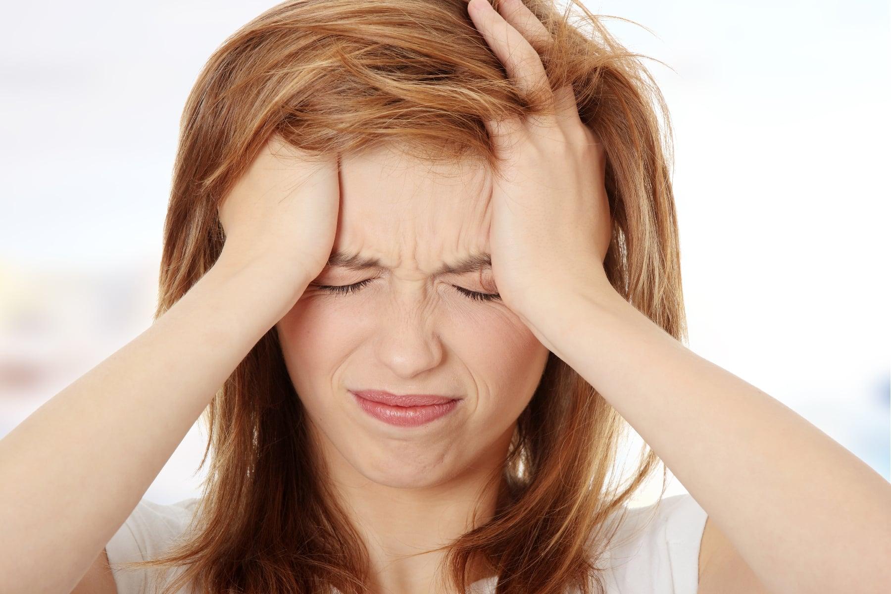 تصویر در انواع سردرد، علت ها و درمان