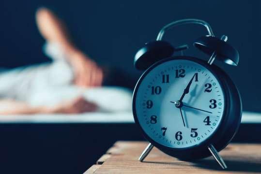 تصویر در ارتباط بین چاقی و کم خوابی