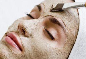 خاک رس آرایشی هربالیا 1 630x430 300x205 - ده درمان خانگی برای پوست چرب
