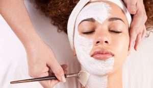 142008 300x172 - ده درمان خانگی برای پوست چرب