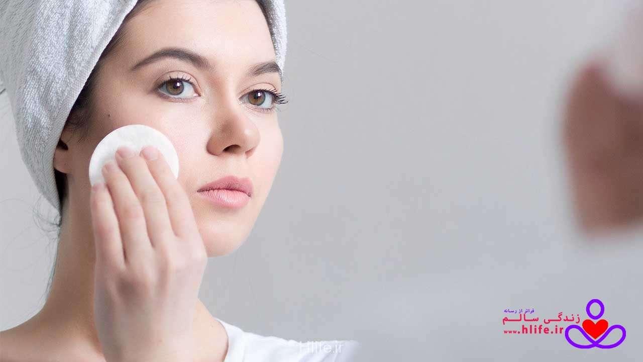 تصویر در ده درمان خانگی برای پوست چرب